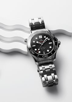 8df1300e81b Discover the OMEGA Seamaster Diver 300M with its black dial