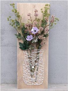 Een leuk idee om zelf te maken voor bloemen aan de muur!. Foto geplaatst door knutseldeprutsel op Welke.nl