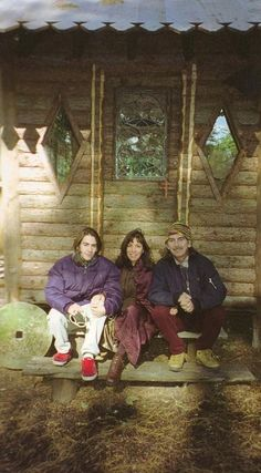 Dhani Harrison, Olivia Arias-Harrison and George Harrison (Friar Park 1997 taken from George's camera). a lot of lovely photos of their Dhani growing up~ George Harrison, Olivia Harrison, Great Bands, Cool Bands, Liverpool, The Fab Four, Ringo Starr, Dark Horse, Paul Mccartney