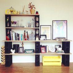 Tired of the same old drab, big box store shelves? DIY those wall shelves! Cinder Block Shelves, Cinder Blocks, Cinder Block Furniture, Diy Casa, Diy Wall Shelves, Dyi Bookshelves, Creation Deco, Ideias Diy, Diy Furniture