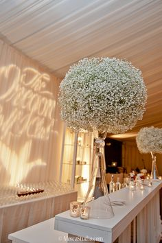 http://www.modwedding.com/2014/10/27/were-smitten-with-these-stunning-wedding-flower-ideas/ #wedding #weddings #wedding_centerpiece