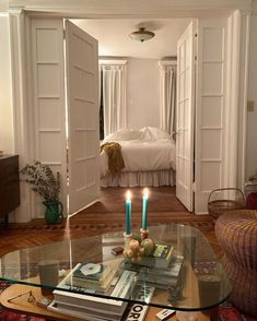Single Apartment, Dream Apartment, Dream Home Design, House Design, New York Apartments, Pinterest Home, Aesthetic Room Decor, Room Ideas Bedroom, Sims House