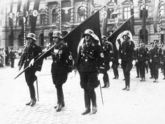 Hitler's all-conquering stormtroopers 'felt invincible because of crystal meth-style drug Pervitin' - Europe - World - The Independent