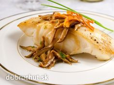 Jensen's Foods's own delicious recipe for Halibut & Crispy Shallots. Halibut Recipes, Fish Recipes, Seafood Recipes, Great Recipes, Shallot Recipes, Fish And Chicken, Baked Fish, Fish And Seafood