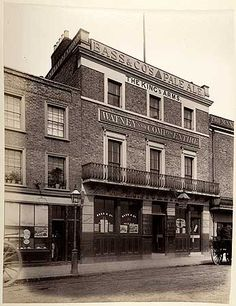 The front elevation of the King's Arms public house, 114 Cheyne Walk, Chelsea Chelsea London, Pub Signs, Front Elevation, Old London, Back In Time, End Of The World, Old Photos, Arms, Backgrounds