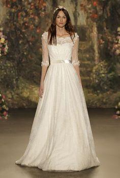 40 Brautkleider für schlanke Frauen 2016: Zarte Brautlooks für die moderne Frau von heute! Image: 5