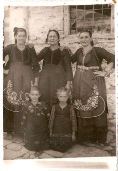 Metsovo traditional costumes from Epirus, Greece Greece Costume, Greek Traditional Dress, Greece Photography, Greek History, Greek Culture, Greek Art, Old World, Folk Art, The Past