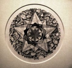 """""""Gentilissime, avrei necessità di contattare il Curatore della bellissima mostra su Escher che ho visitato ieri. C'è un errore nella esposizione di un opera ma dopo la visita non ho trovato personale qualificato per poter raccogliere la mia segnalazione argomentata. In poche parole il punto è che un'opera è esposta capovolta. Confidando di poter essere rapidamente contattato porgo i miei più cordiali saluti""""…"""