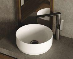 Wysoka bateria do umywalki nablatowej Kohlman Experience w kolorze Gray. ----------- #kohlman #łazienki #projektowaniewnetrz #interiorstyle #bateria #faucet #wnętrza #baterialazienkowa #designer #inspiracje #trojmiasto#modnemieszkanie