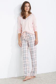 women'secret | gift ideas | Under 30€ | Long checked pyjama Pajamas All Day, Cozy Pajamas, Pajama Outfits, Cute Outfits, Pijamas Women, Cute Fashion, Fashion Outfits, Night Suit, Clothing Hacks