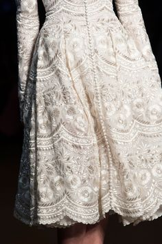 for the love of pretty — fashionsprose:   Details at Ralph and Russo...