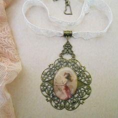 Collier romantique, style shabby chic rétro, grand médaillon cabochon portrait, dentelle vintage