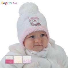 A sapka fontos eleme a hűvösebb napoknak, mivel így védve van a gyerekek feje és füle a hidegtől és a széltől. Anyagának köszönhetően tapintása puha és jól szigetel.    Jellemzői:  - Pamut  - Sállal  - Minősége I.osztály Crochet Hats, Fashion, Knitting Hats, Moda, Fashion Styles, Fashion Illustrations