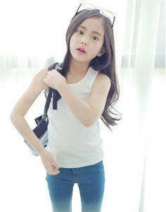 Peach & Cream: Korean Kids Clothing Company: www.peach-cream.co.kr    (*Head 'splodes frum teh cuteness. kmh*)