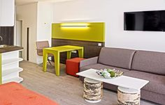 Entdecken Sie das ökologische und innovative Eco-Suite Hotel in Salzburg. Sie können einen Einblick in die moderne Architektur sowie Arbeitsweise bekommen. Salzburg, European Travel, Modern Architecture
