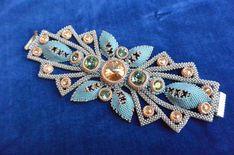 бисер квадратный жгут: 2 тыс изображений найдено в Яндекс.Картинках Beaded Bracelets, Brooch, Saris, Beads, Beadwork, Projects, Diy, Jewelry, Bangles