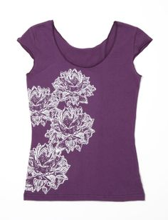 Keep her comfortable and stylish in a silk-screen top. #WomansDay