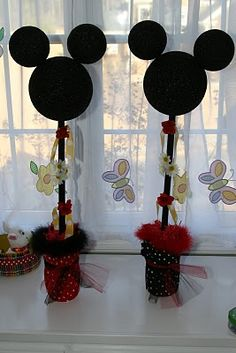 Mickey Mouse centerpiece inspiration