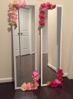 DIY Bedroom Decorating Ideas on a Budget for Teen Girls Mirror with Faux Flowers Girls Bedroom Ideas Bedroom Budget decorating DIY Faux flowers Girls Ideas mirror Teen Diy Floral Mirror, Flower Mirror, Diy Mirror, Mirror Ideas, Decorate Mirror, Mirror Crafts, Easy Diy Room Decor, Cute Room Decor, Bedroom Decor Diy On A Budget