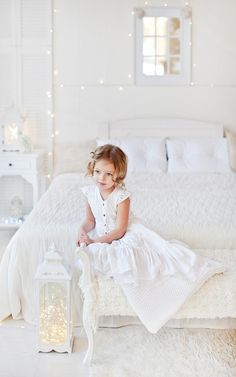discovered by Letitia on We Heart It Lilac Roses, White Peonies, White Roses, A Christmas Story, Christmas Colors, White Christmas, Christmas Angels, Little Girl Fashion, Kids Fashion