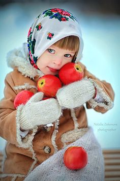 Anna Pavaga foto by Natalia Zakonova Little People, Little Ones, Little Girls, We Are The World, People Of The World, Precious Children, Beautiful Children, Cute Kids, Cute Babies