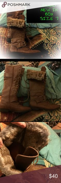 """😵SZ 7 TALL TAN LACE-UP/ZIP UP BOOTS~FUR LINING😵 These are great boots. NWT I bought for my daughter but she already has a similar pair so here ya all go!! 😘👍🏻😜 fur lined and can be folded over for a different look. Small 1"""" heels Shoes Lace Up Boots"""