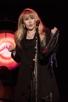 Stevie onstage   ~ ☆♥❤♥☆ ~   performing at Madison Square Garden, in New York City, NY on December 1st, 2016 ~ photo taken during her '24 Karat Gold' US tour concert 2016 ~   photo credit: Debra L Rothenberg   ~ https://www.stevienicksofficial.com/news/stevie-nicks-announces-27-city-north-american-24-karat-gold-tour-with-pretenders