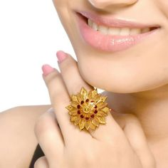 Senco Gold offers best quality Gold Rings, Earrings, Necklace with wide varieties of collections. Buy Gold & Diamond Jewellery Online from the Leading Online Jewellery Store. Dubai Gold Jewelry, Mens Gold Jewelry, Gold Jewelry Simple, Gold Rings Jewelry, Stylish Jewelry, Hair Jewellery, Nose Jewelry, Gold Ring Designs, Gold Bangles Design