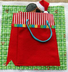 LITTLE CHRISTMAS Felt Quiet Book .PDF Pattern by LindyJDesign