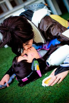 Tracer -- D.Va cosplay from overwatch. Got you! by RizzyOkuni on DeviantArt
