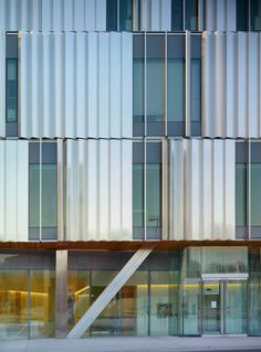 Gallery of Terrence Donnelly Health Sciences Complex / Kongats Architects - 6