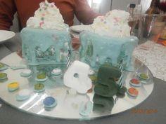 Bolo do 45º aniversário, uma ideia diferente com reflexo e em verde e branco  https://www.facebook.com/jorge.cakesdesign?fref=ts