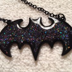 Black glitter batman necklace!! This is so cute and great for someone who loves batman!! I don't do trades! I ship Monday-Friday!! Hot Topic Jewelry Necklaces