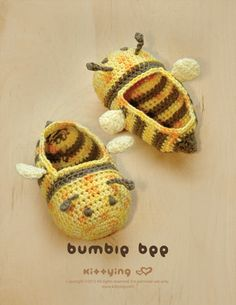 I need to learn to crochet! Bumble Bee Baby Booties Crochet PATTERN by Kittying Yingclose Booties Crochet, Crochet Baby Booties, Crochet Slippers, Crochet For Kids, Hand Crochet, Knit Crochet, Crochet Crafts, Crochet Projects, Confection Au Crochet