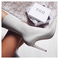 Basic greys so lush Style: TEGAN Price: £34 / $45 with UniDays discount ego.co.uk #egosquad