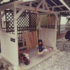 女性で、Other、家族住まいのDIY/お庭/自転車置き場/ブランコ/ブランコ DIY/こどもと暮らす。…などについてのインテリア実例を紹介。「娘とパパにお留守番お願いして、 帰ってきたら 自転車置き場が遊具になっていた(笑)  楽しそう♪  でも自転車たちはどうするんだ⁈」(この写真は 2016-05-28 14:51:53 に共有されました)