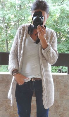 56 Ideas Crochet Cardigan Spring Knits For 2019 Knitting Blogs, Knitting Stitches, Crochet Cardigan, Diy Crochet, Knitwear, Knitting Patterns, Ideias Fashion, Sweaters, Cardigans