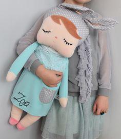 NOVINKA Metoo spiaca Angela v mätových šatách na výber z dvoch možností. ( bez mena, s menom ) Modeling, Dolls, Fabric Dolls, Cloth Art Dolls, Trapillo, Accessories, Baby Dolls, Modeling Photography, Puppet