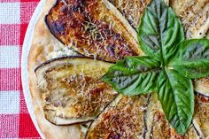 eggplant and ricotta pizza- I want to try this soon