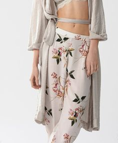 Oriental trousers - New In - Spring Summer 2017 trends in women fashion at Oysho online. Find lingerie, pyjamas, slippers, nighties, gowns, fluffy, maternity, sportswear, shoes, accessories, body shapers, beachwear and swimsuits & bikinis.