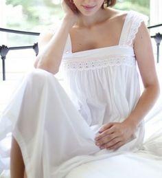 Chemise de nuit de luxe en coton avec broderie anglaise www.cetaellecetalui.com