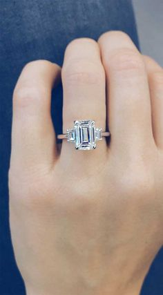 How Engagement Ring Looks Like: 59 Gorgeous engagement rings that are unique. #engagementrings #engagement #diamondring #weddingring
