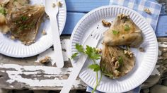 Kalorienarmer Grillgenuss: Gegrillte Austernpilze mit Walnüssen | http://eatsmarter.de/rezepte/gegrillte-austernpilze