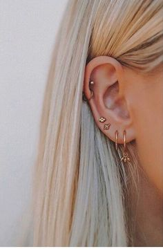 I would love to get another ear piercing – Thunder . I would love to get another ear piercing I would love to get another ear piercing Piercing Cartilage, Ear Peircings, Piercing Tattoo, Snug Piercing, Piercings Rook, Upper Ear Piercing, Double Helix Piercing, Tongue Piercings, Ear Jewelry