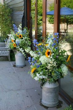 Wedding Flower Arrangements - Perfect for a barn wedding…I love the humble milk churn. Milk churn is great for arrangements outside a barn or marquee then you can use them in your own garden! Rustic wedding flowers look the best and you can fill . Milk Cans, Milk Jug, Deco Floral, Rustic Wedding, Wedding Country, Fall Wedding, Country Weddings, Floral Wedding, Wedding Reception