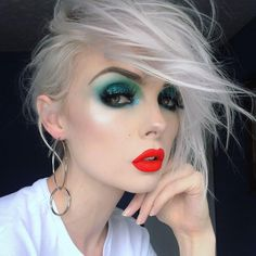 HOT DAMN. Make-up artist BEAUTSOUP pulls out the hottest 80's look to accompany our double hoop earrings: 'Leoni'. #regalrose #blogger #mua #redlips #80s ♥︎https://www.regalrose.co.uk/products/leoni-silver-double-hoop-earrings