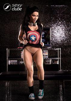 Gamer gostosa Sammantha Monteiro pelada nua Sexy Clube 003