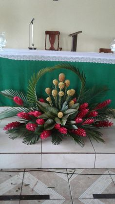 Pin by Lorna on Flowers Arrangement Tropical Flower Arrangements, Church Flower Arrangements, Beautiful Flower Arrangements, Tropical Flowers, Altar Flowers, Church Flowers, Luxury Flowers, Deco Floral, Flower Decorations