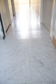 Bianco Carrara Type C - Van den Heuvel & Van Duuren Bathroom Floor Tiles, Tile Floor, Stone Flooring, Carrara, House Styles, Interior, Floors, Modern, Type