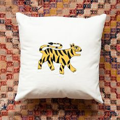 Embroidery 101: Learning the Satin Stitch and how to make a Nepali Tiger pillow! (Project by Jessica of Miniature Rhino) #satin #stitch #embroidery #tiger #pillow #diy